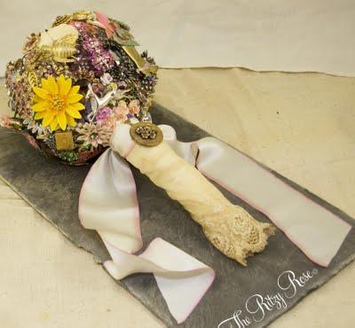 miranda-lambert-brooch-bouquet-the-ritzy-rose
