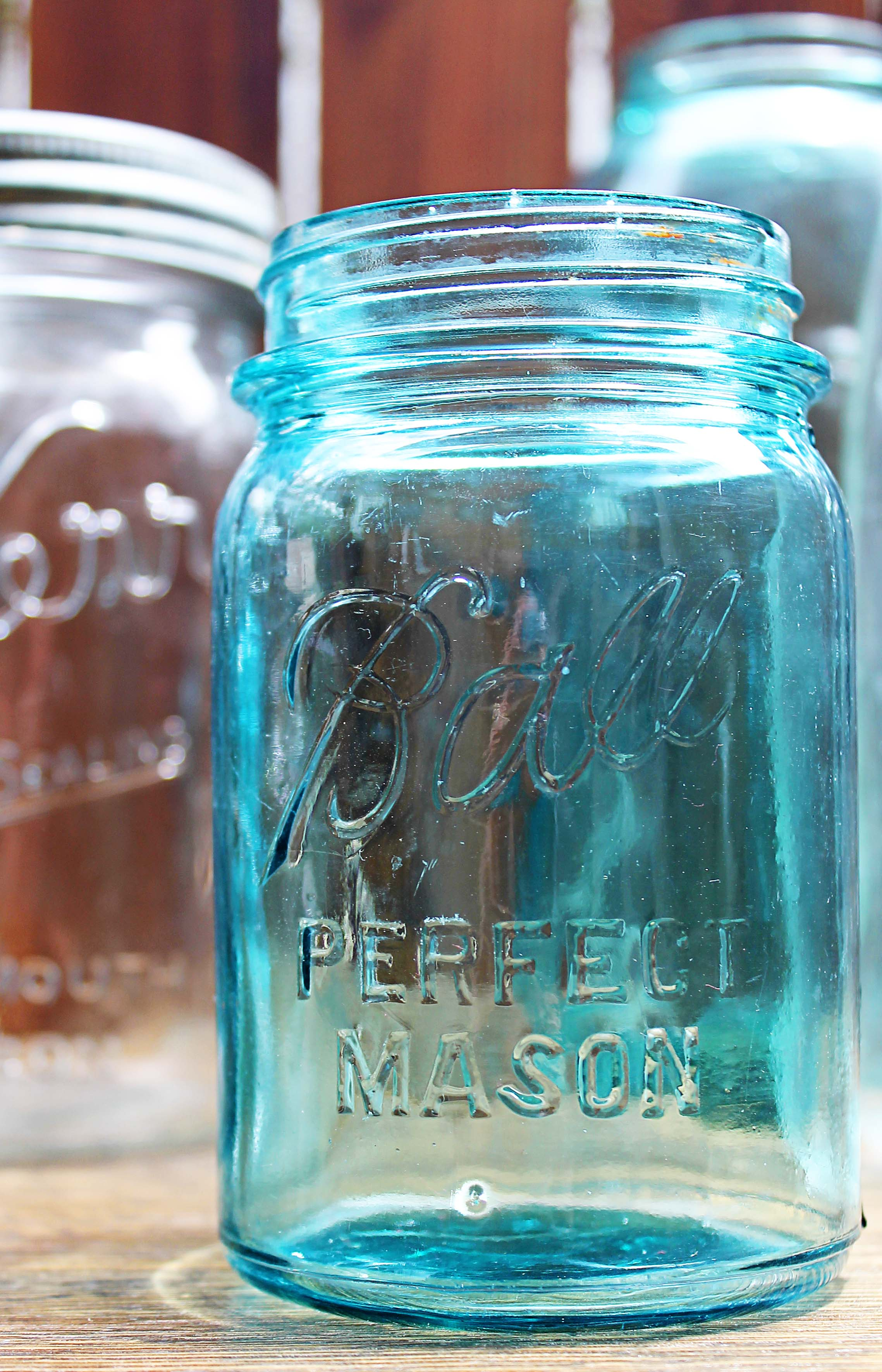 dating blue mason jars Factors with a significant affect on a mason jar's value include the date of how do you determine the value of antique mason jars a: a teal blue mason jar.