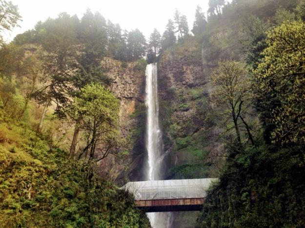 Multnomah_Falls_Portland_Oregon